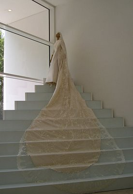 Valentino wedding dress Italian valentino garavani fashion designer dresses runway