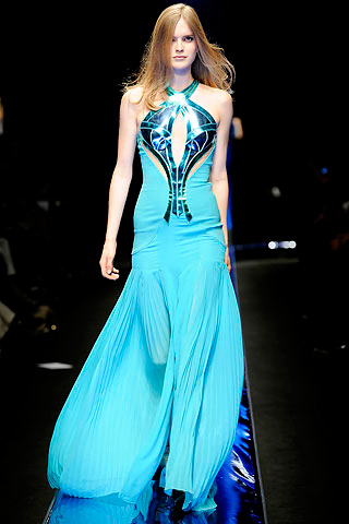 versace-fall-2010-dress
