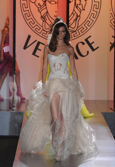 Versace-Fashion-Week-2012-2013-1-114923_L