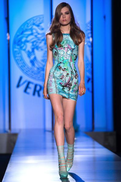 Versace+Show+Paris+Fashion+Week+Haute+Couture+fuxBNW365IEl